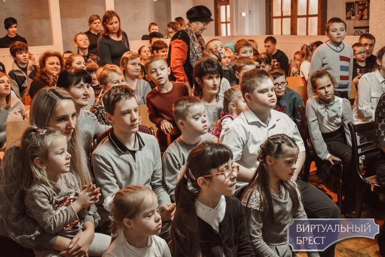 Ивановский районный центр коррекционно-развивающего обучения посетили волонтеры