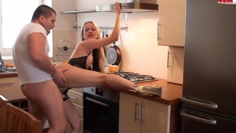 dirtyjuliette - Hausfrau bestraft - 720x540 [720p]