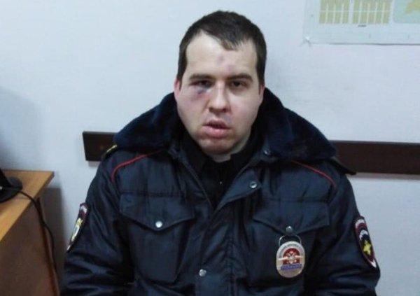 В отношении мужчины, избившего полицейского в Азов...
