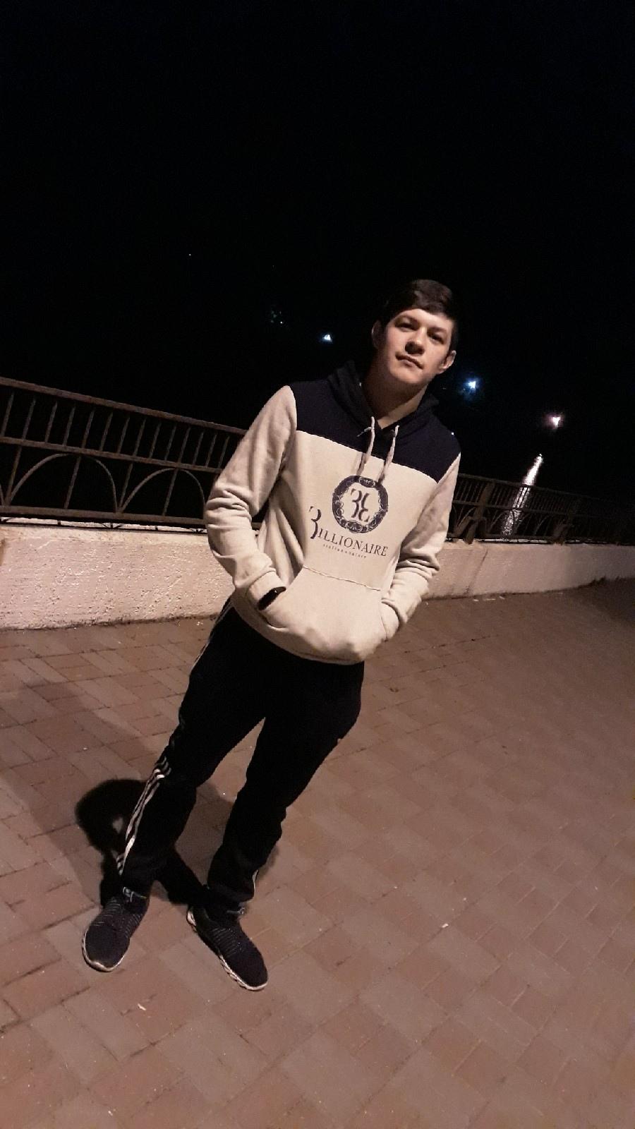 Денис, 19, Armavir