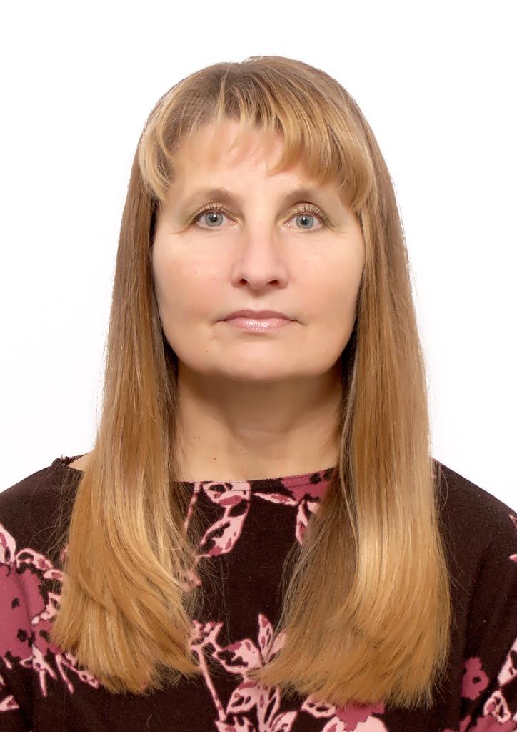 Яковлева Елена Николаевна - Тренер высшей категории по спорту лиц с поражением опорно-двигательного аппарата (дисциплина - «плавание»), отличник физической культуры