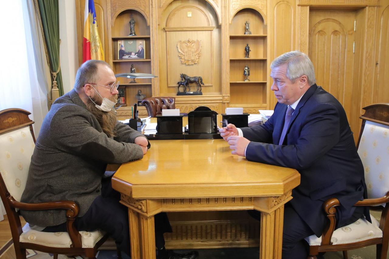 Губернатор Василий Голубев встретился со таганрогским спортсменом-паралимпийцем Сергеем Бурлаковым
