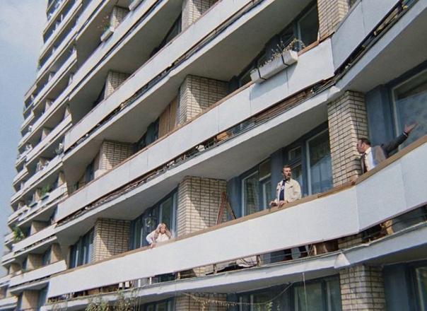 Дом № 13 (стр. 1) Новокузнецкой улице за волнообразную фо...