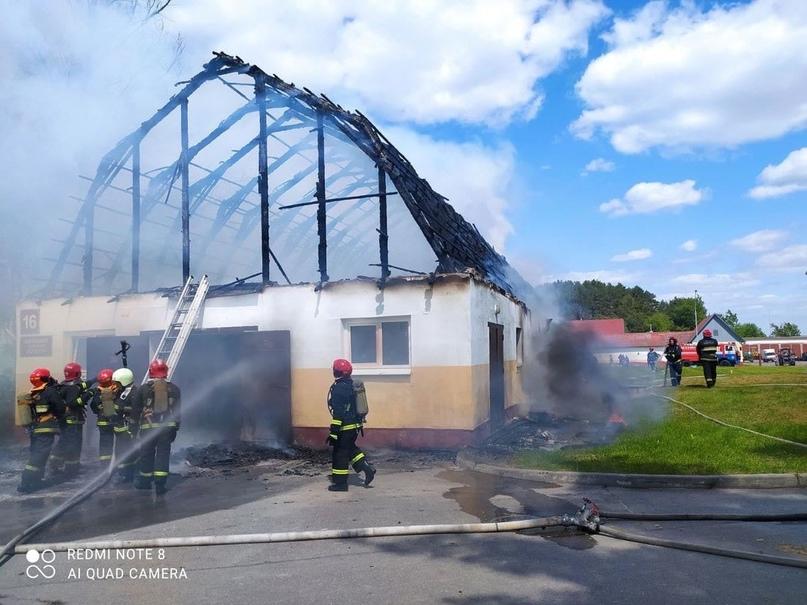 В Ратомке сгорела конюшня центра конного спорта