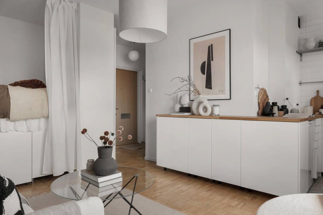 Светлый скандинавский интерьер квартиры-студии 25 кв.