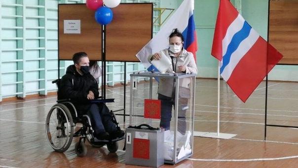 В Омской области стартовал третий день голосования...