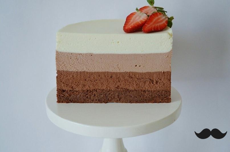 """Муссовый торт """"три шоколада"""" на сметане."""