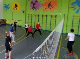 В Дороховской школе Рузского городского округа каждую субботу с 10.00 до 12.00 в спортивном зале будут
