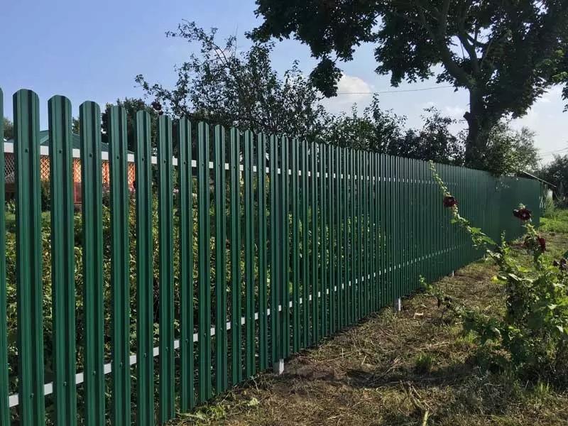 Забор из евроштакетника цена за работу в Омской области