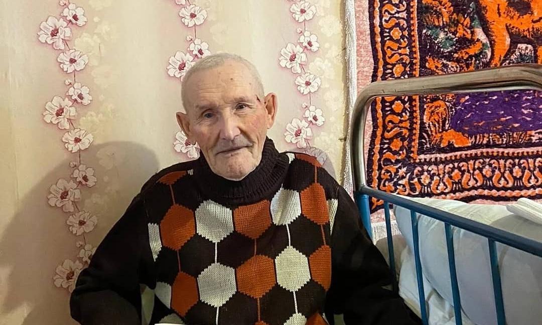 Сегодня юбилейную дату - 90-й день рождения - отмечает петровчанин Василий Васильевич САПАРИН