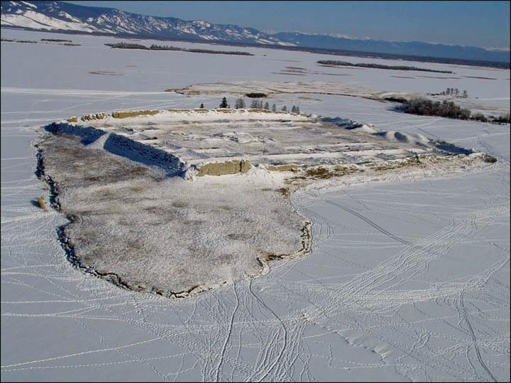 Тайна древней крепости Пор-Бажын, построенной на острове в сибирском озере, изображение №12