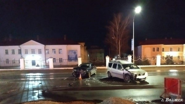 Два водителя пострадали в ДТП в ВолжскеВ пятницу, ...