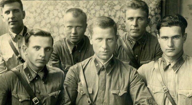 «Ежовские костоломы»: сколько получали НКВДшники, занимавшиеся допросами