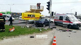 Авария на проспекте Республики в Бресте 20 апреля 2021