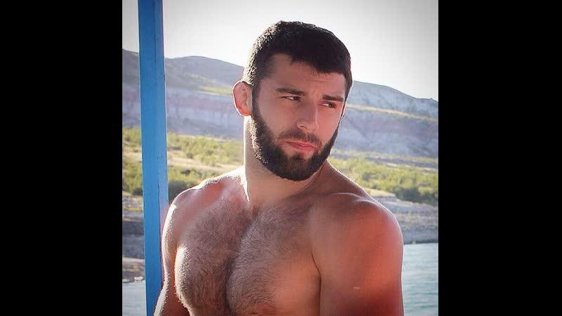 Азер показывает себя и дрочит. Продолжение здесь vk.com/gay_kavkaz