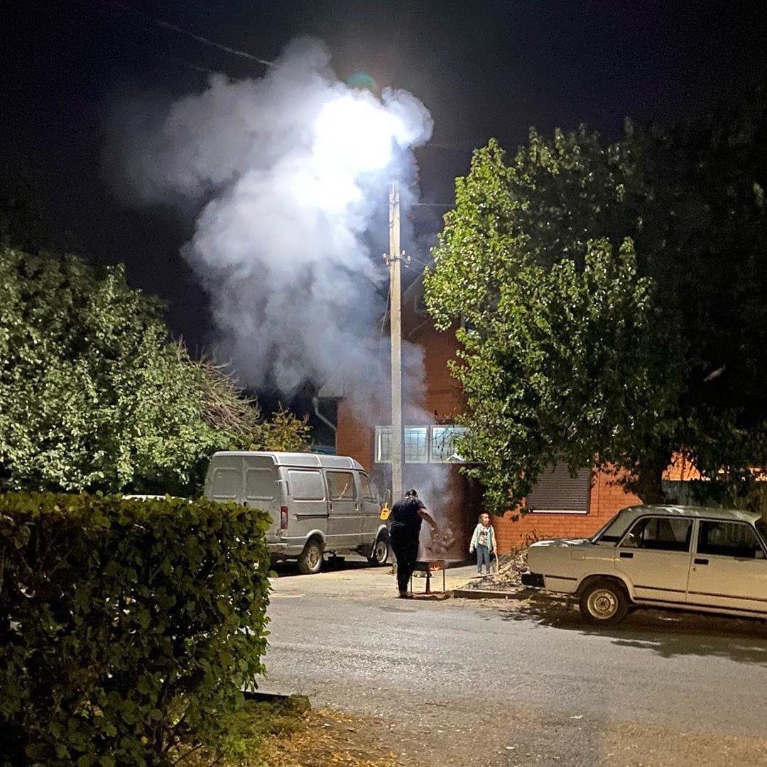 Вечером шашлыки на улице, а ночью возгорание.