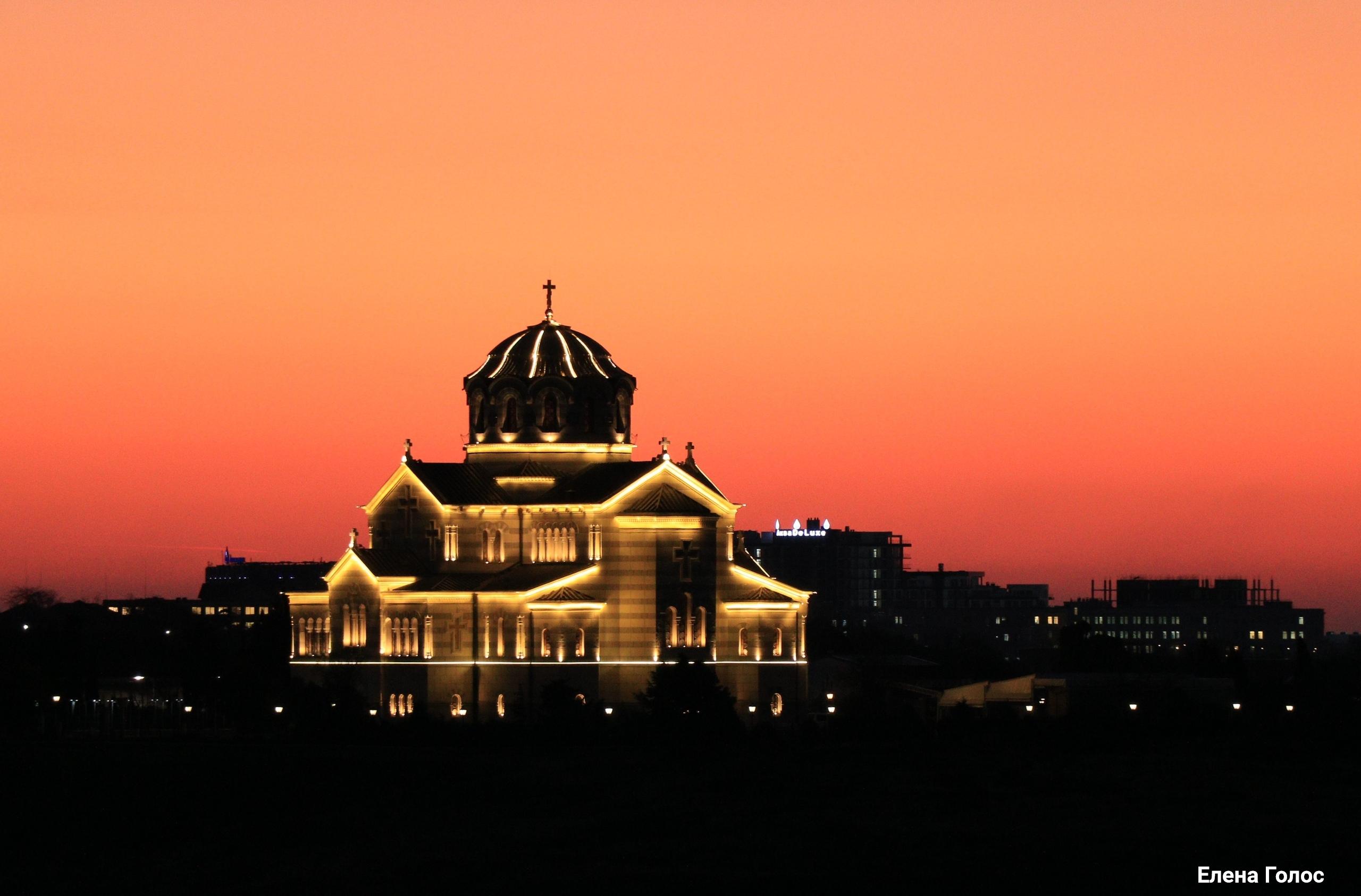 Закат. Владимирский собор в Херсонесе✨