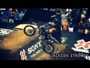 Гонки на мотоциклах с трюками!