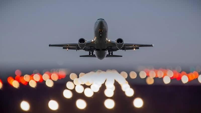 В Сети нашли доступы к управлению сигнальными огнями для самолетов, изображение №1