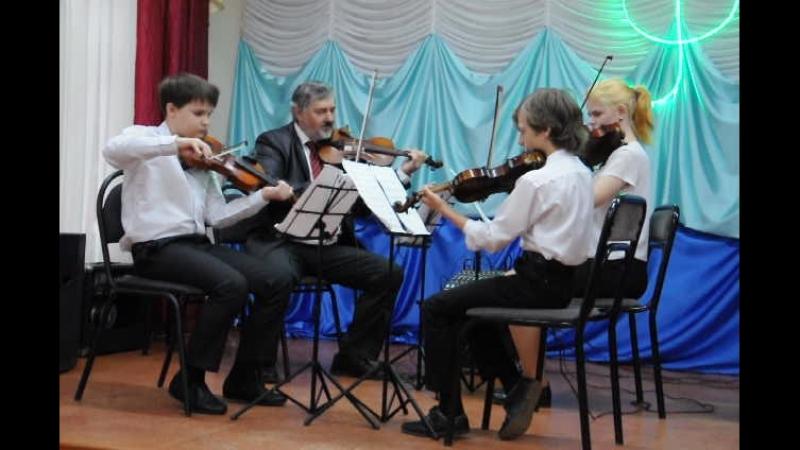 Алексей Кузнецов, Артем Попов, Анастасия Кудрина и преподаватель Юрий Беспалов.