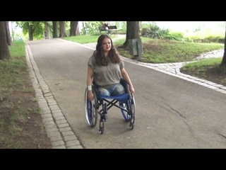 Amputee Hanna is seen by a stranger in a park ! Final sale !
