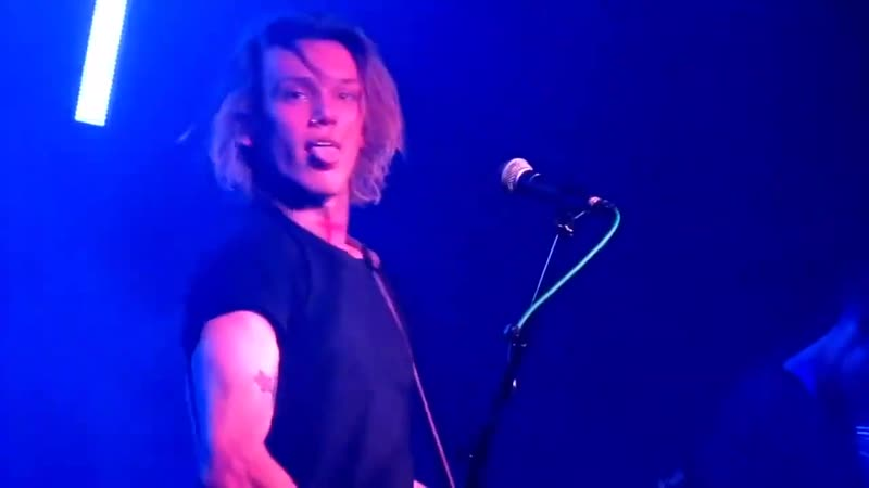 Jamie Campbell Bower LIVE